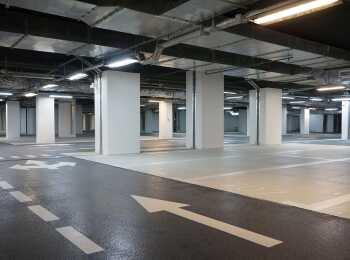 Въезд в подземный паркинг жилого комплекса ART